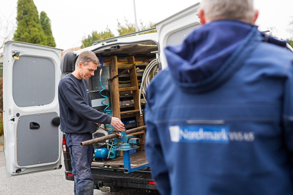 Nikolaj laver VVS arbejde i Ringsted, hvor et oliefyr skulle skiftes.